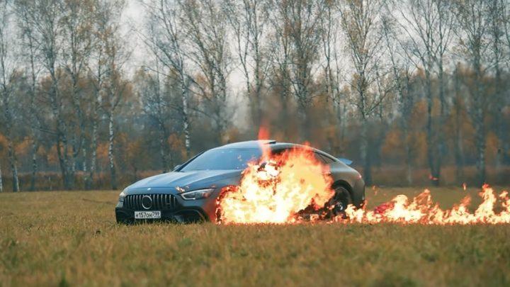 Der Russe setzte den Mercedes-AMG GT63 S 4-door coupe in Brand. Mercedes konnte seine Probleme nicht lösen.