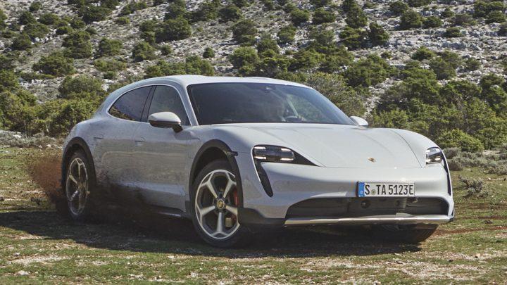 Porsche stellte Taycan Cross Turismo vor.