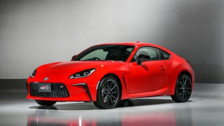 Toyota hat das neue Sportcoupé GR86 vorgestellt, das den GT86 ersetzen wird.