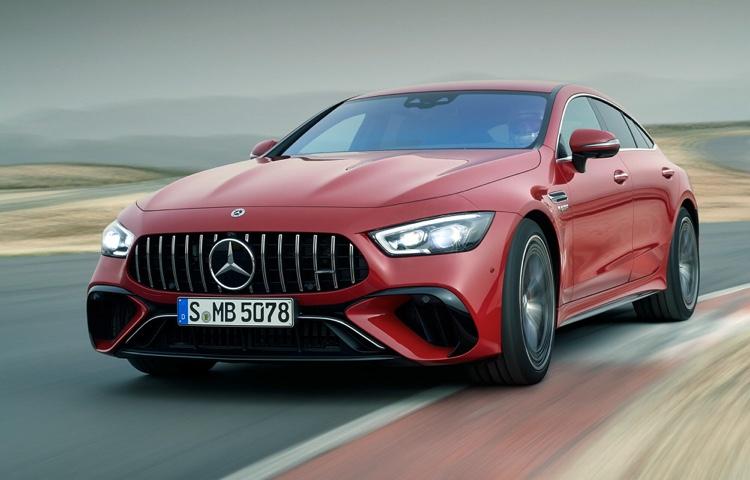 Mercedes-AMG-Fahrzeuge werden für die nächsten zehn Jahre mit V8-Motoren ausgestattet sein.